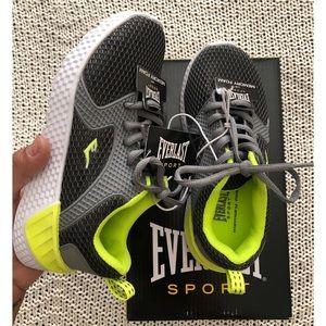 NWT Everlast Sport boys sneakers sz 1
